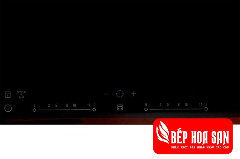Hình ảnh bảng điều khiển của bếp từ Electrolux EHI7260BA với các mức điều chỉnh khác nhau