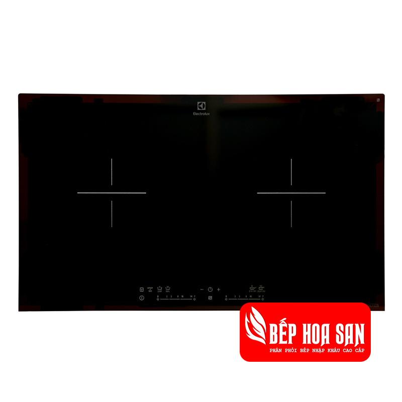 Hình ảnh của bếp từ Electrolux EHI7280BA với mặt bếp chịu nhiệt