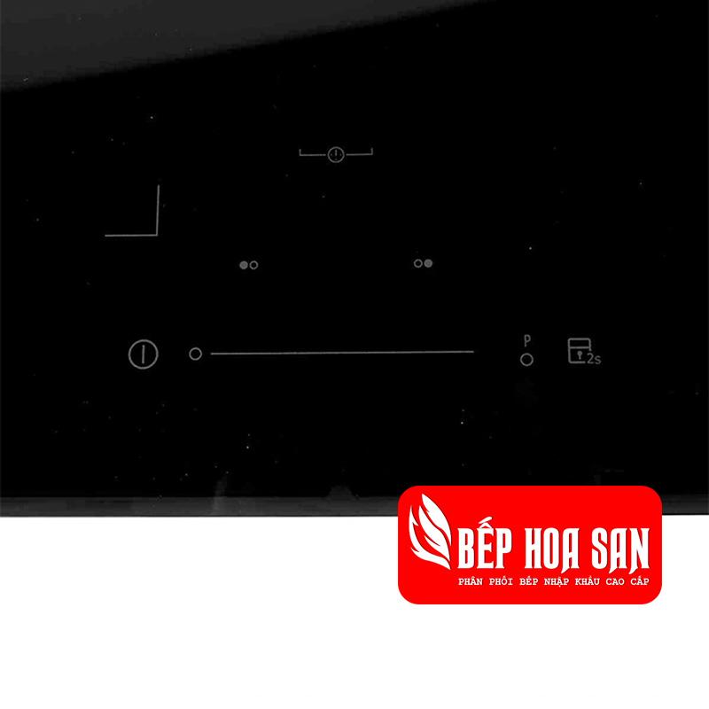 Hình ảnh bảng điều khiển của bếp từ Electrolux EHI7325BA